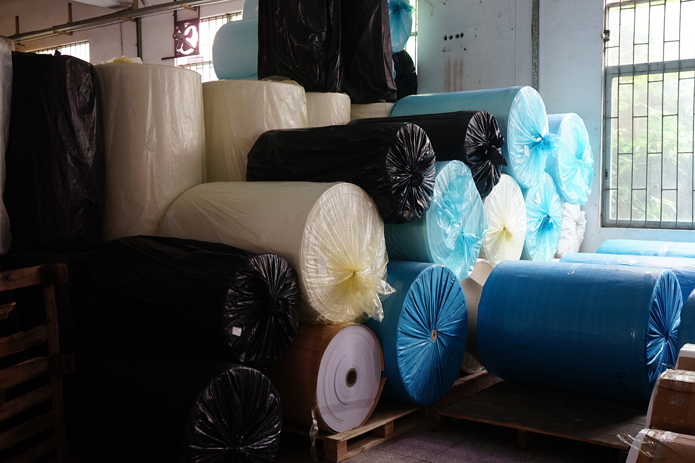 Auto Pe Foam Tape Jumbo Roll